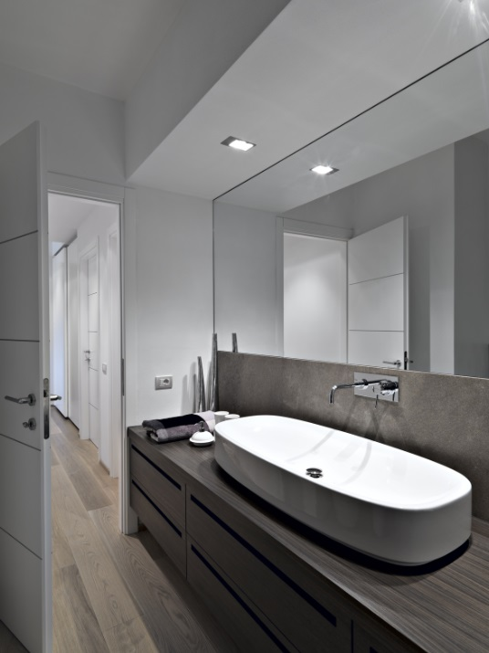 Bathroom renovations sydney by amazing bathroom renovations for Specchio a muro bagno